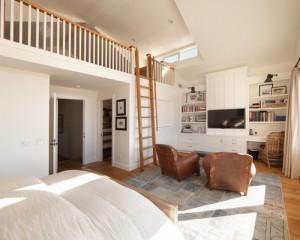寝室の上部